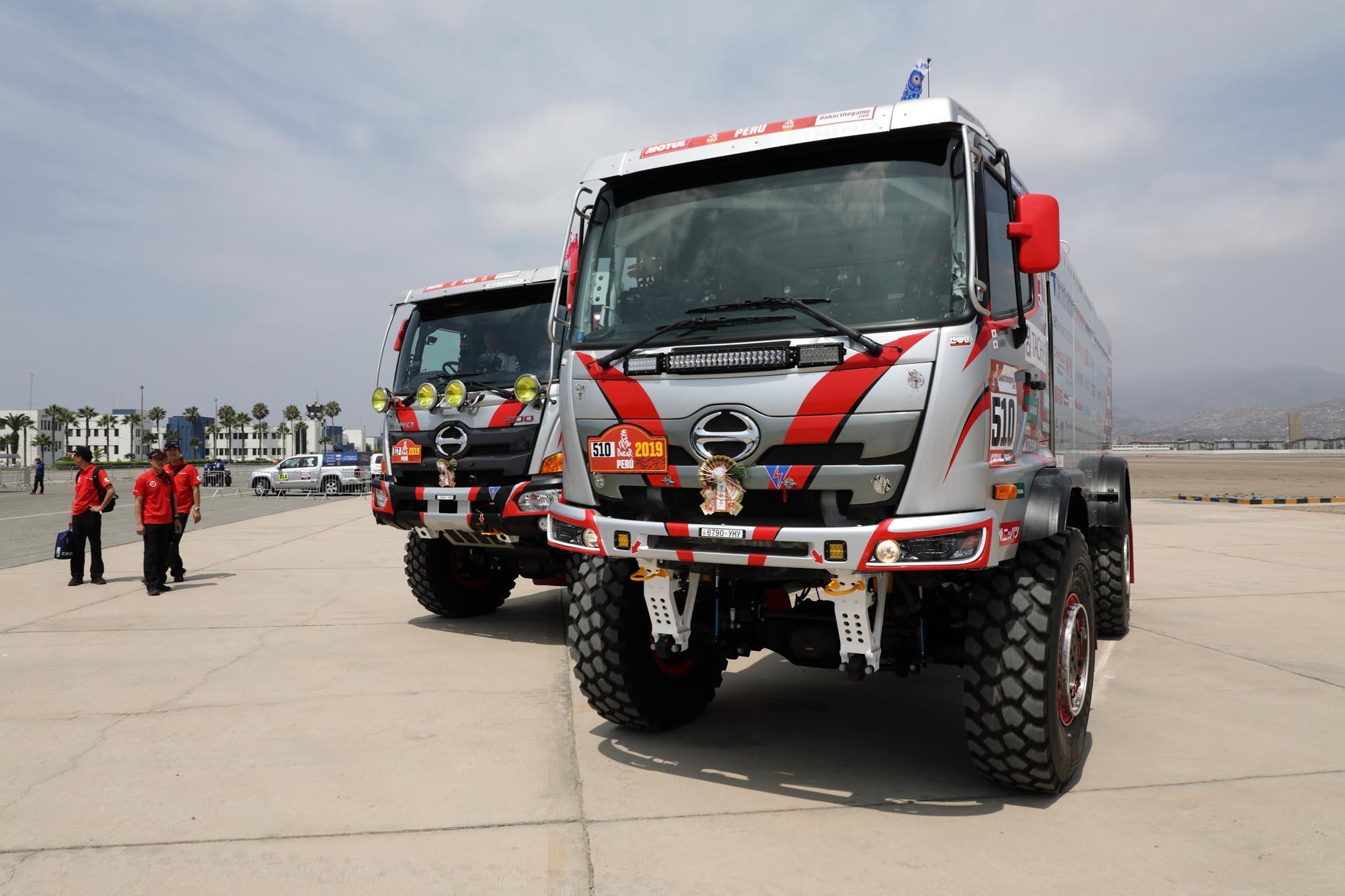2台揃って車検会場に到着した日野レンジャー 0B5A9273.jpg