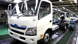 日野自動車の工場見学   日野自動車
