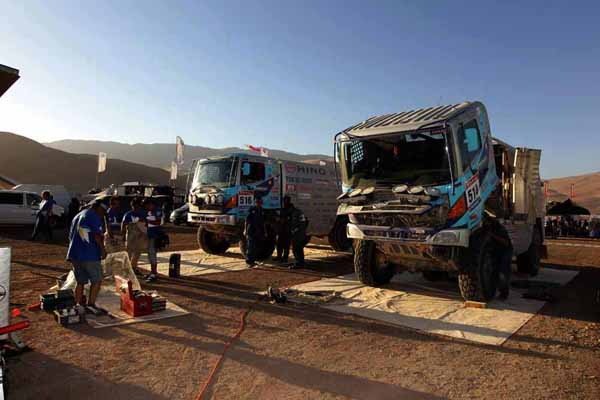 The Hino 500 Series vehicles receiving inspection and service at the bivouac in Copiapo.